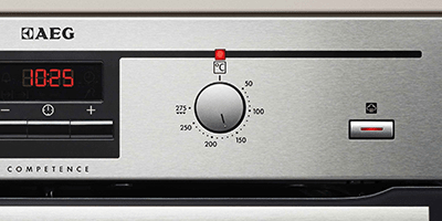 AEG Oven Step-2 Select the SteamBake programme and press the SteamBake button